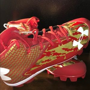 UNDER ARMOUR Deception Clutch baseball cleats